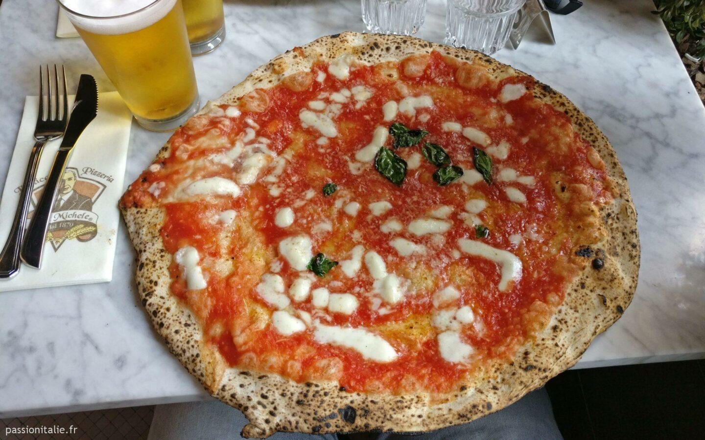 Pizza Margherita, pizzeria Da Michele